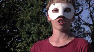 La Mascarade ! Le Clip des enfants qui enlèvent le masque