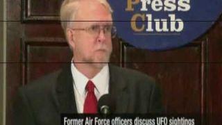 FR - Témoins militaires d'OVNI sur des sites nucléaires - National Press Club (27-09-10) VOSTFR
